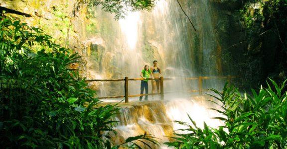 5-lugares-romanticos-em-brotas-recanto-das-cachoeiras-2