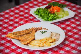 pratos-restaurante-tres-quedas-brotas